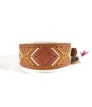 fettleder halsband mit ethno muster